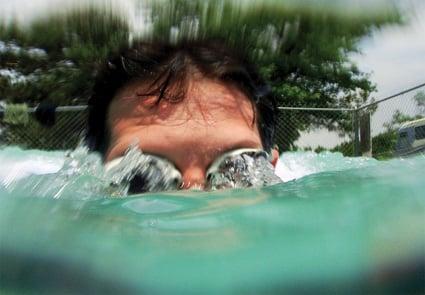 Splash into pool safety