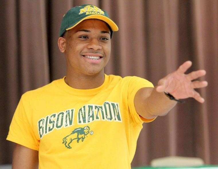 Derrick Williams Signs with North Dakota State University
