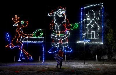 Blora Christmas Lights 2021 Blora Lights Up Holidays Entertainment Kdhnews Com
