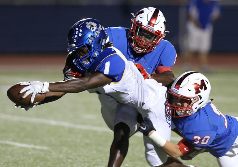 8-6A FOOTBALL: Late 1st-half turnover helps Midway race past Cove