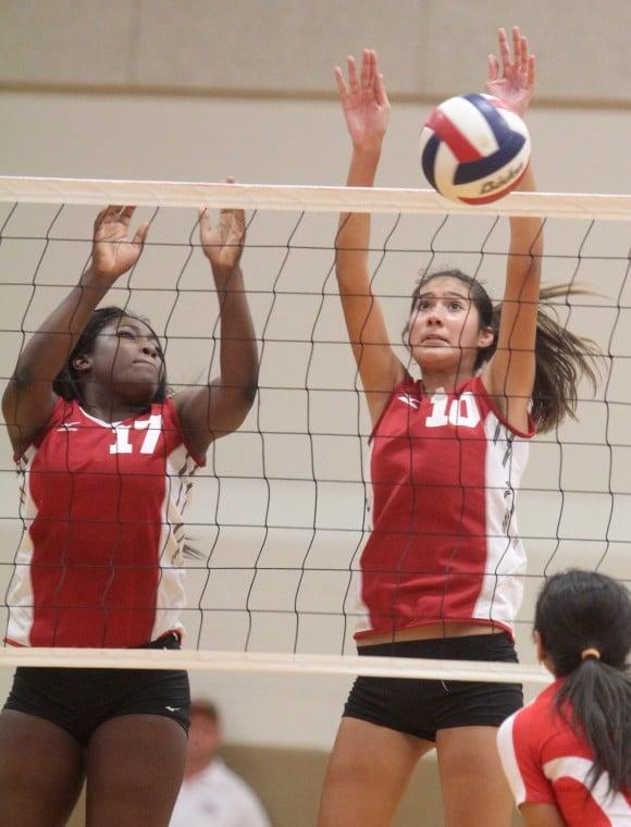 Harker Heights vs Belton Volleyball