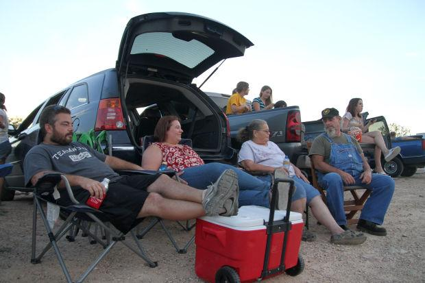 Gatesville Theater Offers Central Texas Families Drive In