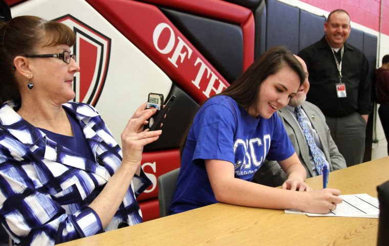 Volleyball Signing: Jordan Denney to Cisco J.C.