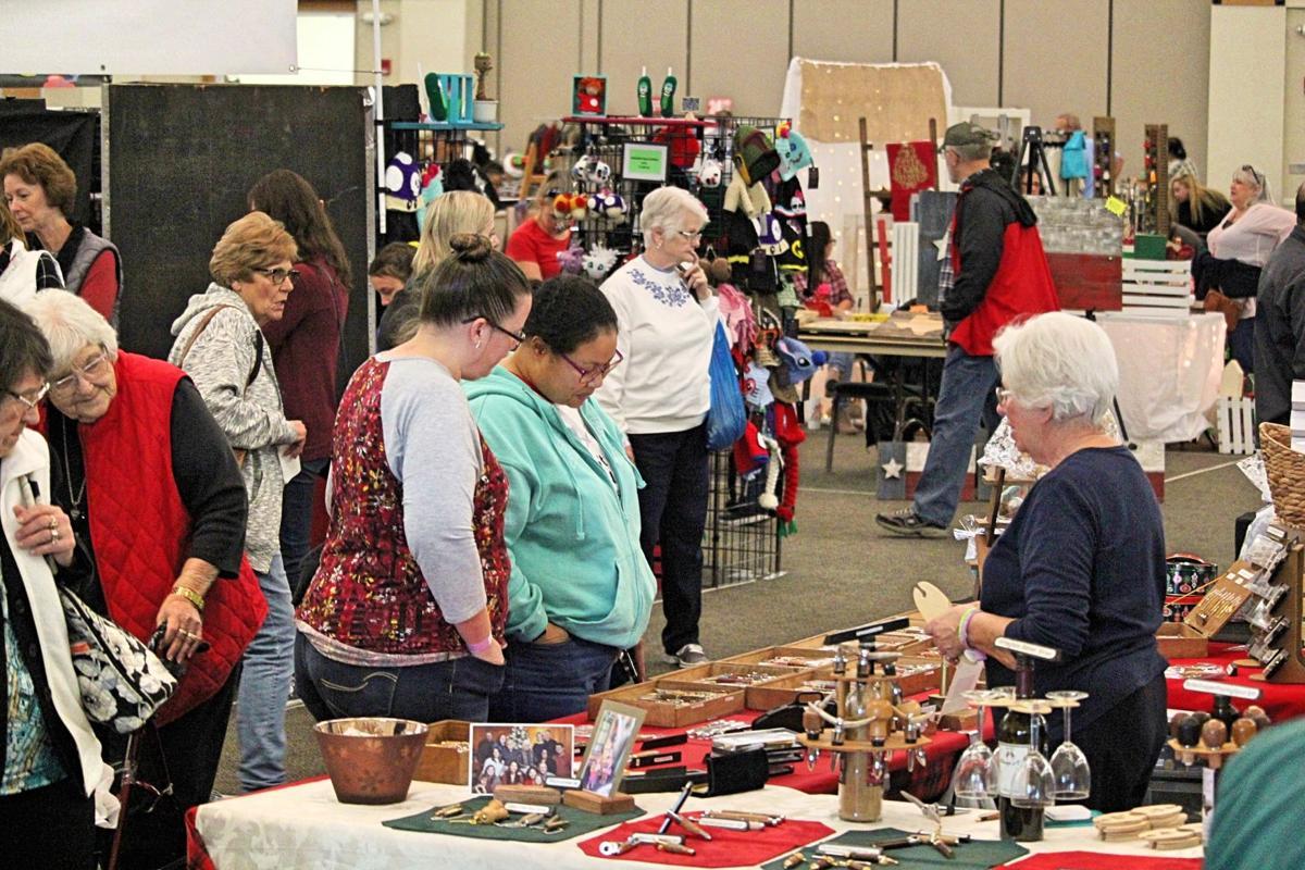 Ft Hood Christmas Bazaar 2020 Fort Hood Spouses' Club holds 37th annual Holiday Bazaar | Local