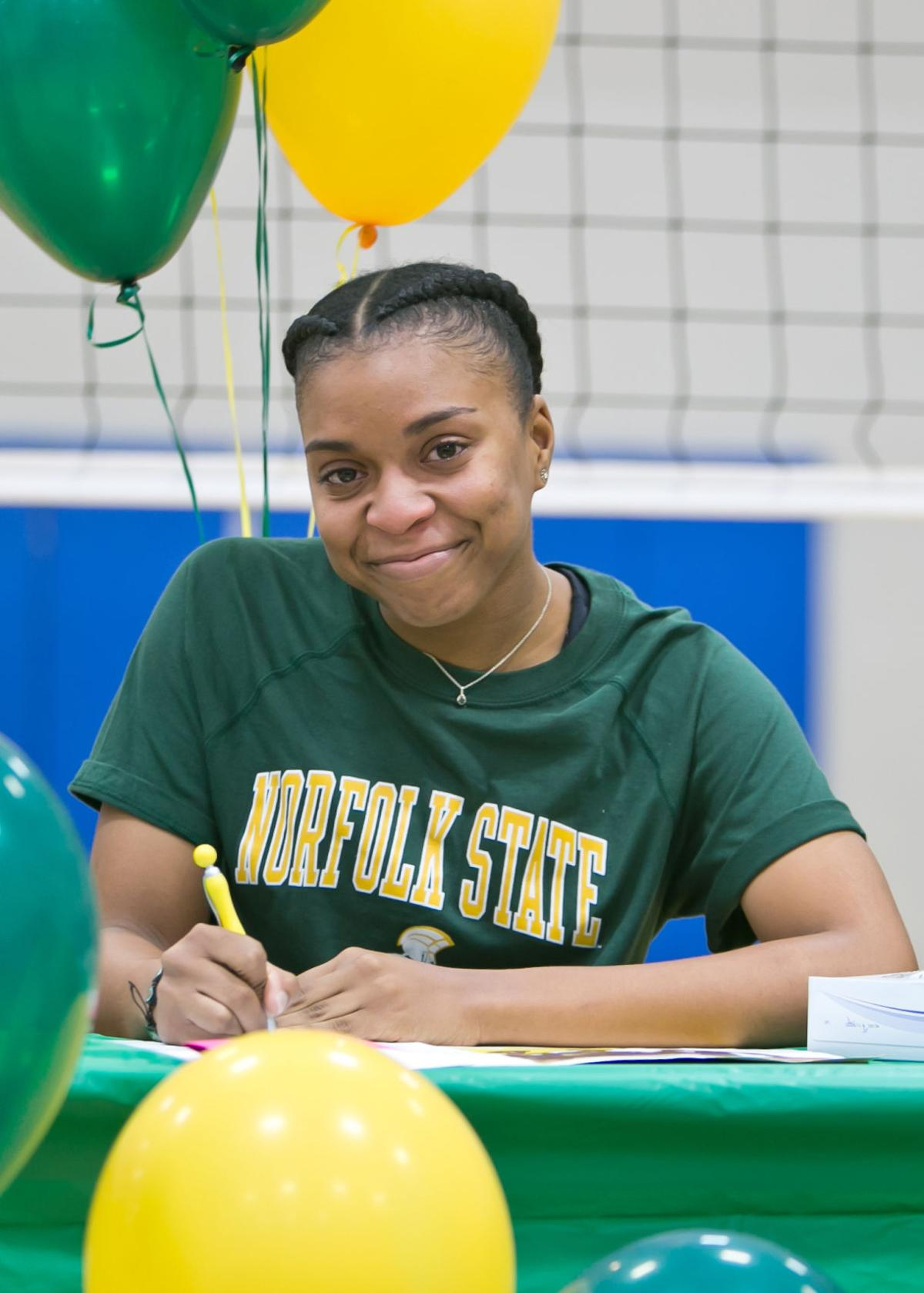 Symone Thomas signs letter of intent to play Volleyball