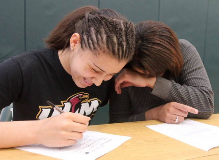 Ellison Volleyball Signing