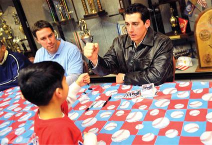 Army Rangers: Texas ballplayers make stop on Fort Hood