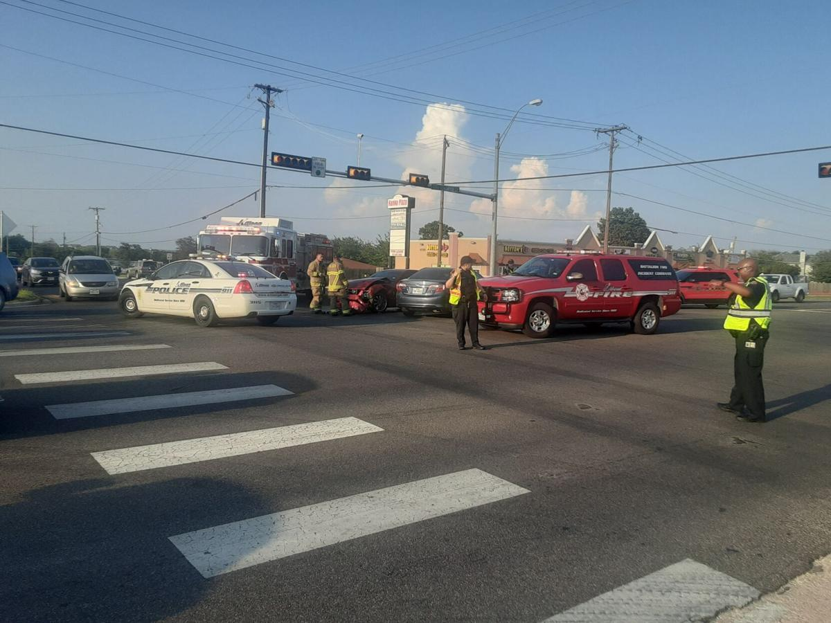 Wreck slows traffic in south Killeen Friday evening