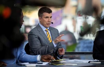 ESPN re-signs Rece Davis as 'College GameDay' host