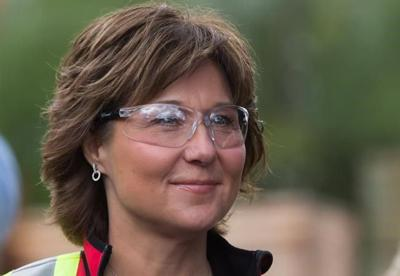 Liberal Leader Christy Clark explains difference between Liberal, NDP donations