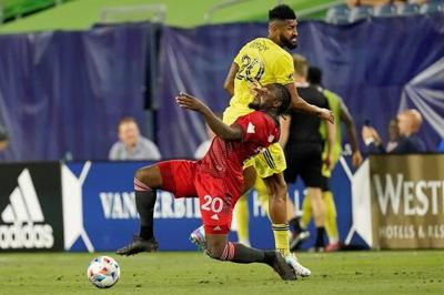 Canada will finish out Gold Cup without injured forwards Ayo Akinola, Cyle Larin