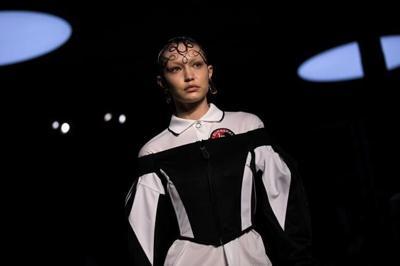 4dcceff4340 Burberry catwalk showcases streetwear