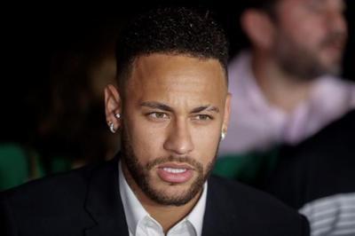 Neymar undergoes questioning by police, denies rape claim
