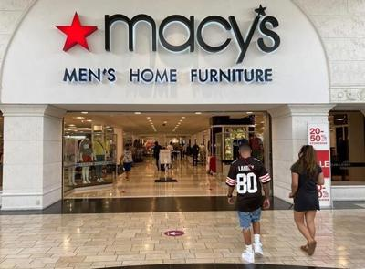 Macy's closes out a tough year with hope for 2021