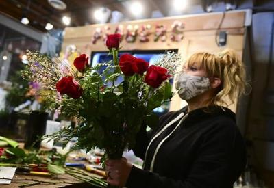 Valentine's Day roses in short supply due to COVID-19: floral industry