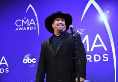 Garth Brooks doesn't want to win CMA entertainer award again