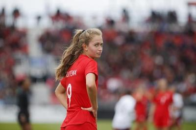 Canadian teenager Jordyn Huitema continues torrid scoring pace for PSG