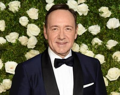 Judge orders Kevin Spacey accuser to reveal himself in suit