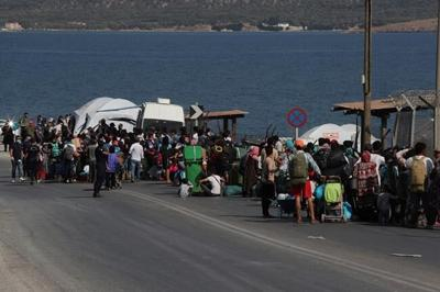 Greek minister: 5,000 move into new refugee camp on Lesbos