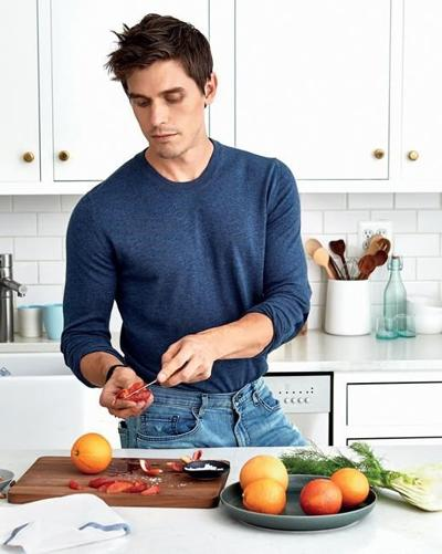 'Queer Eye''s Antoni Porowski dishes on overcoming addiction, career bumps, and ego