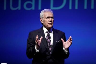 """Fabled host of quiz show """"Jeopardy!"""" Alex Trebek dies at age 80 after cancer battle"""