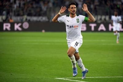 Hertha, Gladbach get 1st Bundesliga wins; Frankfurt draws