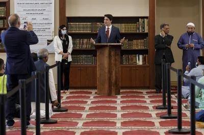 Trudeau says federal security, tax agencies must do more to end Islamophobia