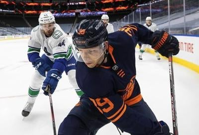 Vancouver Canucks sign forward Alex Chiasson to professional tryout contract