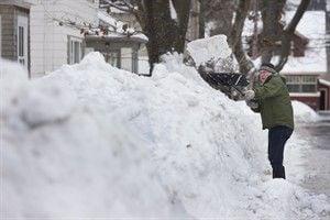 Nova Scotia, Prince Edward Island digging out after intense