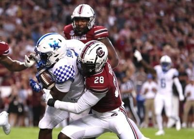 Cats survive another close call, hold off Gamecocks to remain perfect