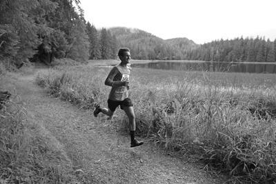 Mickey Lapinski leads in the 5K