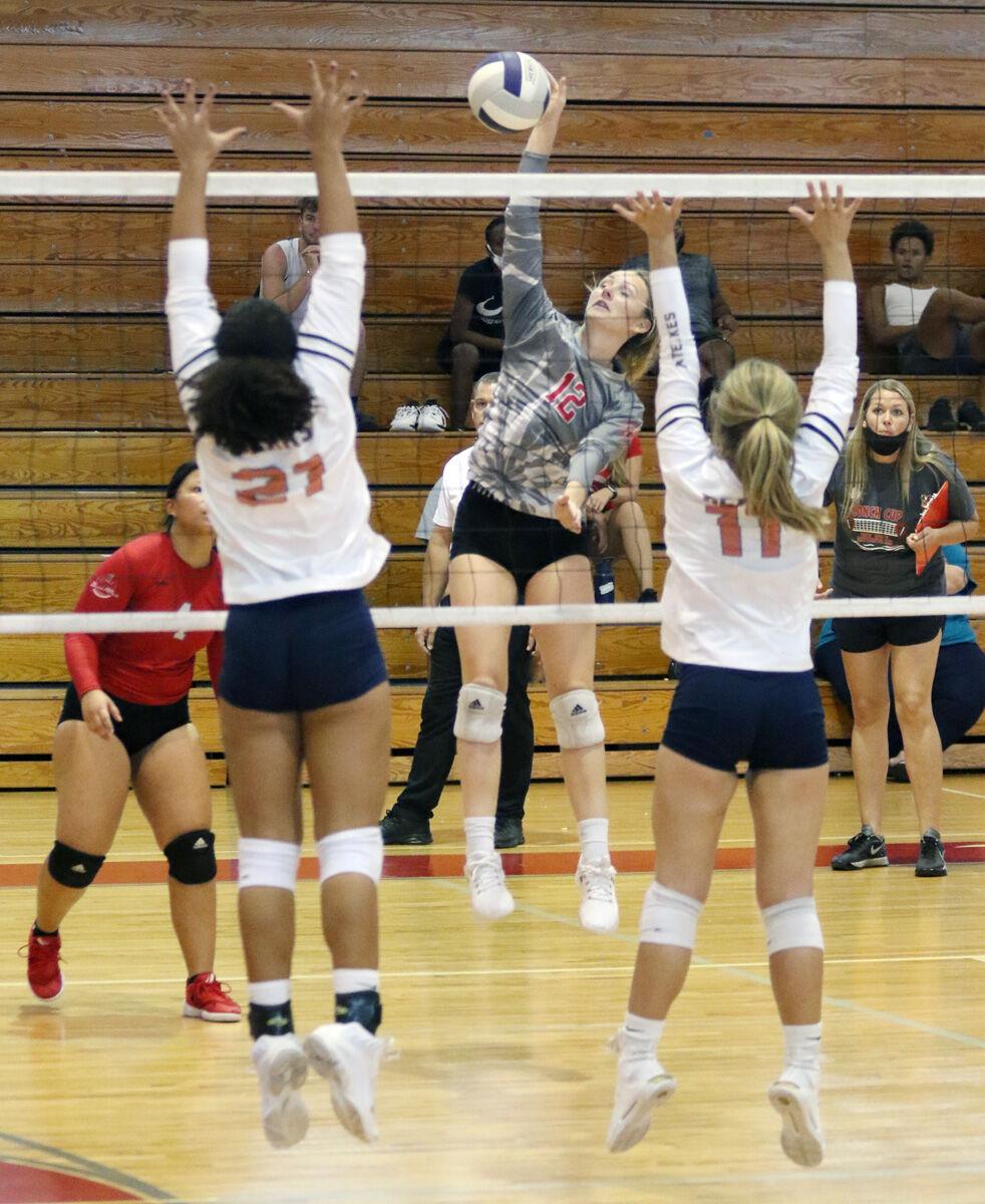 prep volleyball kw clausen hit.jpg