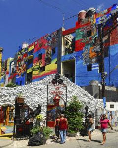 Colorful mural brings Cuba history to life