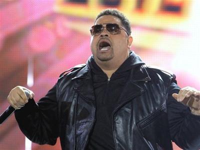 update rapper heavy d dead at 44 news khq com update rapper heavy d dead at 44