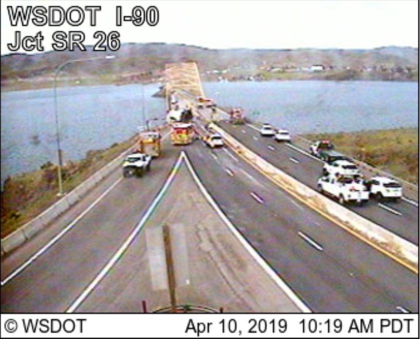 I-90 closed at vantage