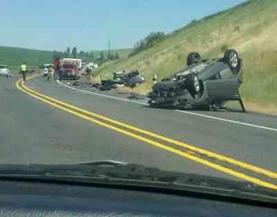 Flying Wheel Causes 3-Vehicle Crash On Hwy  195 South Of