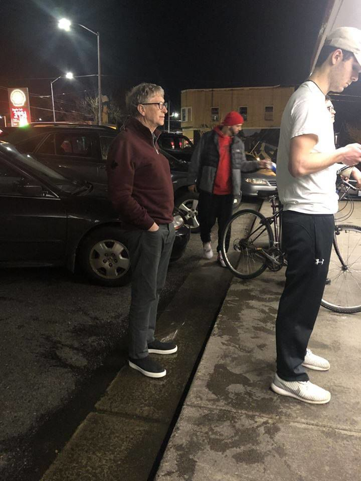 billionaire bill gates spotted getting some burgers at