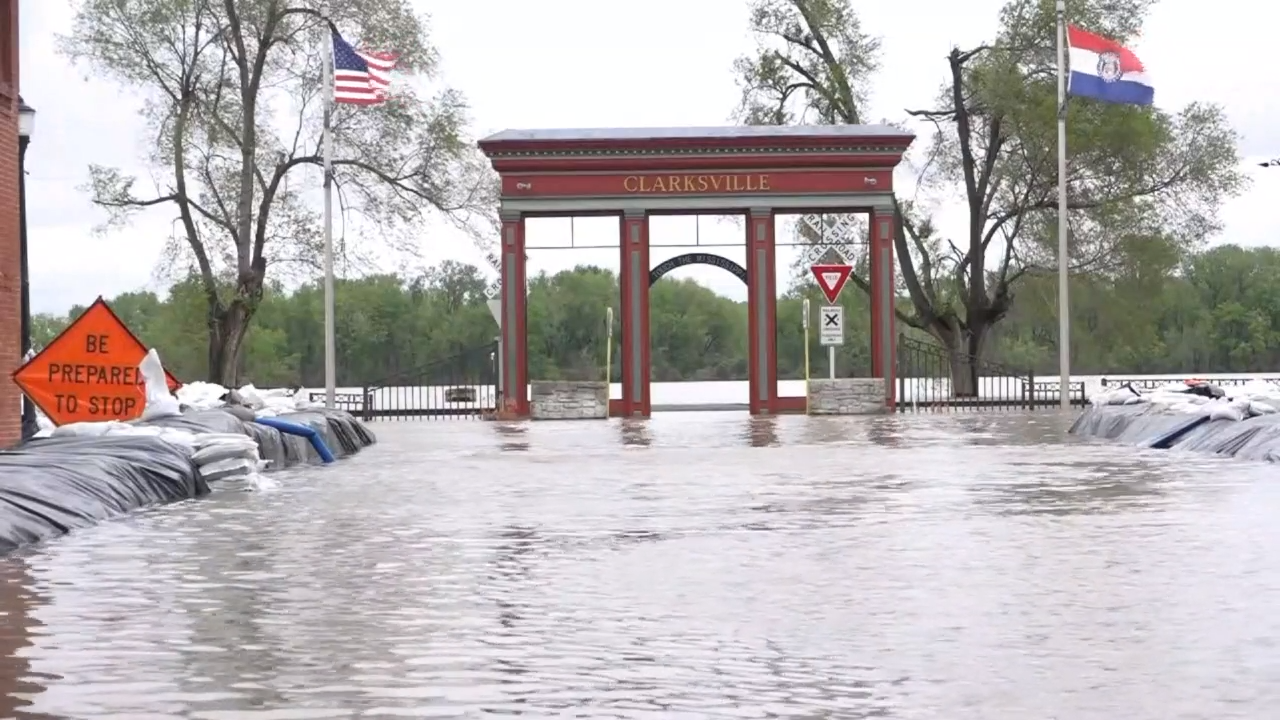 Missouri residents see worst flooding in more than a decade