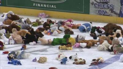 Spokane Chiefs host teddy bear toss