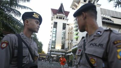 Family of 6 suicide bombers attacks Indonesia churches