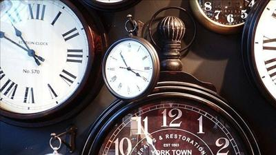 British schools removing analog clocks from classrooms because students can't read them