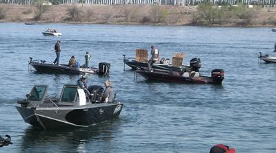 Hundreds of fisherman and women protest fishing restrictions in Washington