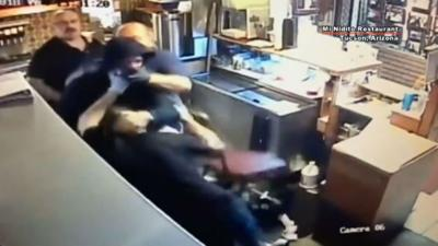 Employees attack, subdue would-be robber armed with box cutter