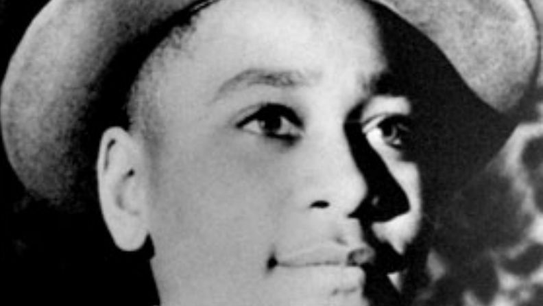 university of mississippi asked fbi to investigate photo of students posing at emmett till sign