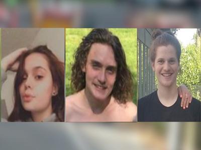 Teens killed in car crash