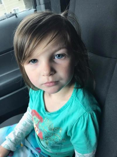 Two people arrested after 3-year-old found in Kennewick neighborhood alone