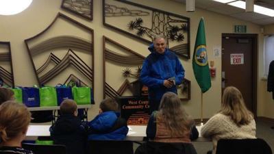 Gov. Inslee visits Spokane to view windstorm recovery effort