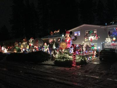 Spokane Valley Goeller house christmas display