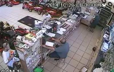 Florida man stuffs chainsaw down his pants in shoplifting case