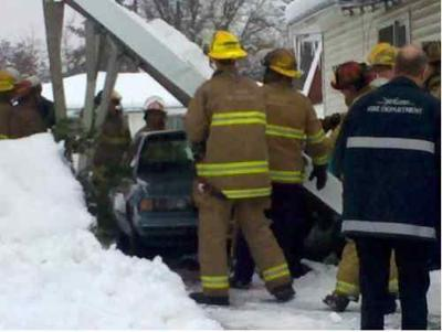 FIRST ON KHQ.COM: Carport Collapse In N. Central Spokane